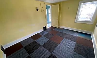 Living Room, 603 W Dewald St, 2