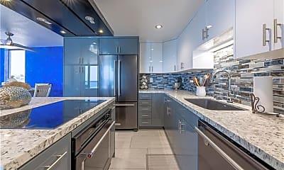 Kitchen, 531 Esplanade, 2