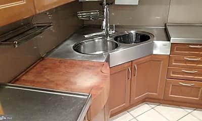 Kitchen, 129 Alcoa St, 1