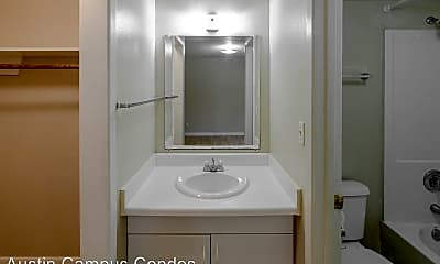 Bathroom, 3707 Cedar St, 2
