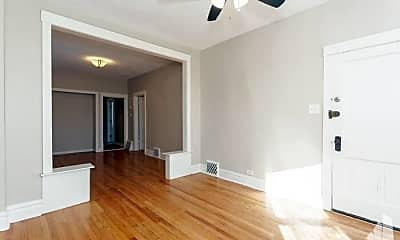 Bedroom, 1016 N Hamlin Ave, 1