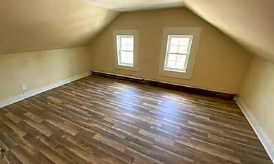 Living Room, 31 Prospect St, 2