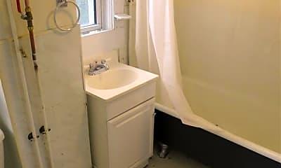 Bathroom, 198 Cedar St, 1