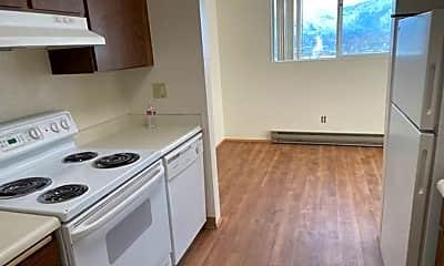 Kitchen, 176 Eastmont Ave, 1