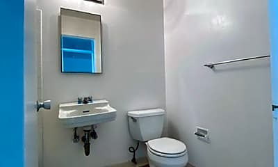 Bathroom, 1563 Hyde St, 2
