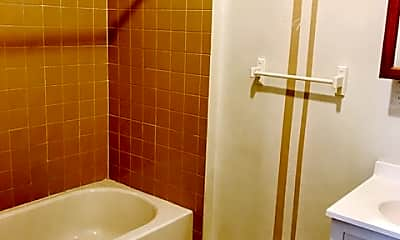 Bathroom, 1501 15th St, 2