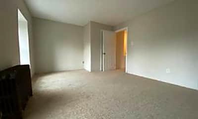 Living Room, 113 E Federal St, 2