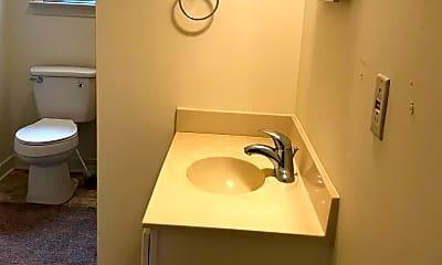 Bathroom, 15652 Owens Dr, 2