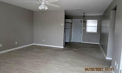 Living Room, 7919 NW Crossland Cir, 1