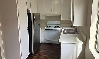 Kitchen, 20404 Cohasset St, 1