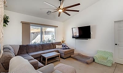 Living Room, 505 N 16th Ave, 2