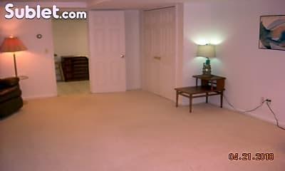 Living Room, 170 Mill Plain Rd, 1