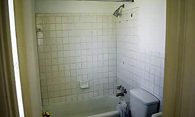 Bathroom, 4223 Calvert Ave, 2