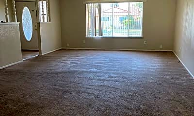 Living Room, 660 Hillsdale Dr, 2