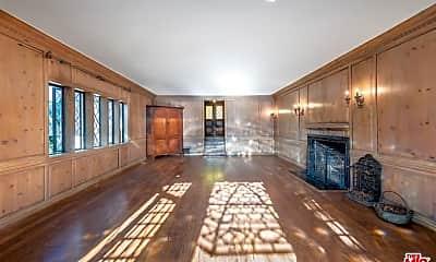 Living Room, 2055 N Las Palmas Ave, 1