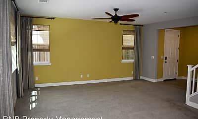 Living Room, 1414 Cheetah St, 1