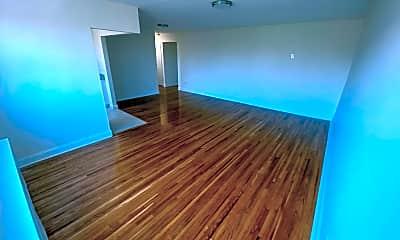Living Room, 81 Beacon Hill Dr 4G, 1
