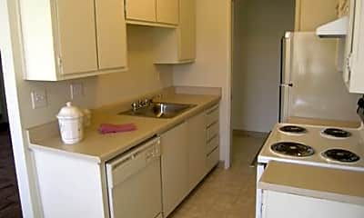 Ridgecrest Apartments, 2