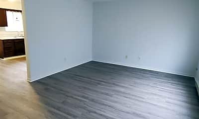 Living Room, 2300 Shadyside Rd, 2
