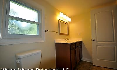 Bathroom, 722 Golfview Dr, 2