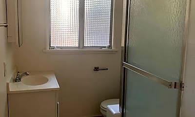 Bathroom, 1972 N Kenmore Ave, 2