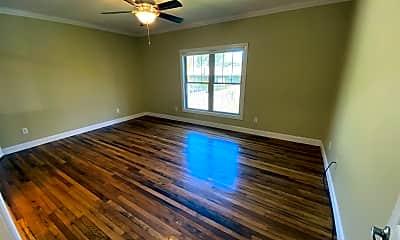 Living Room, 191 Deaver St, 2