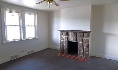 Bedroom, 1413 Brookline Blvd, 1