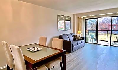Living Room, 2100 Lee Hwy 218, 1