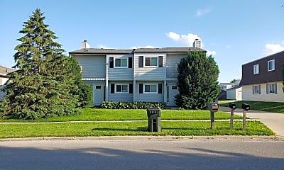 Building, 524 Wildwood Rd, 2