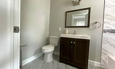 Bathroom, 305 Goldsmith Ave, 2