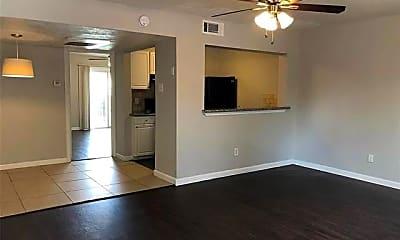 Living Room, 2910 Throckmorton St 110, 1