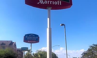 Courtyard Marriott, 1