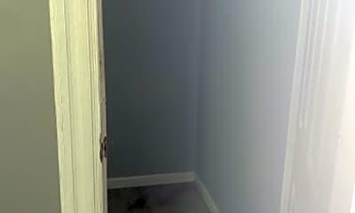 Bathroom, 614 Springdale Ave, 1