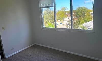 Bedroom, 5638 W Higgins Ave, 2