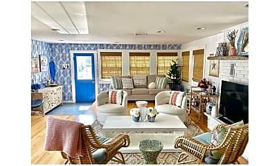 Living Room, 322 W Kupper Dr, 1