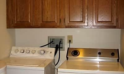 Kitchen, 212 Pinewood Dr, 2