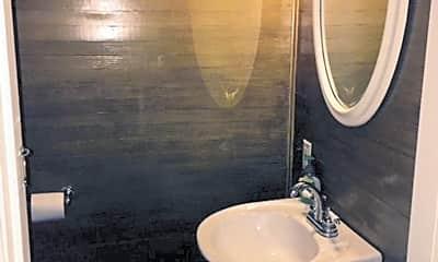 Bathroom, 1315 N 3rd St, 2