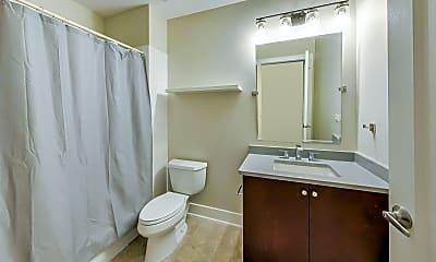 Bathroom, 725 N Aberdeen St 401, 2