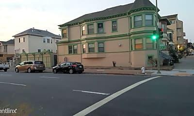 Building, 605 Madison St, 1