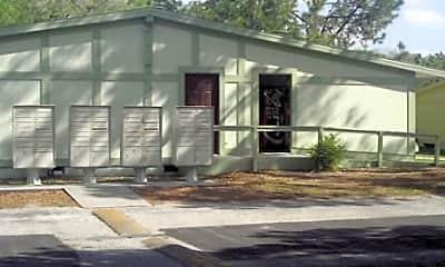 Live Oak Apartments, 1