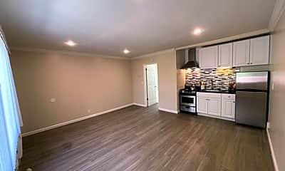 Kitchen, 361 S Oakland Ave, 1