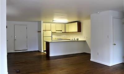 Living Room, 268 Simpaug Turnpike C2, 0
