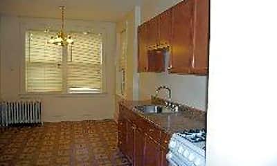 Ausonia Apartments, 2