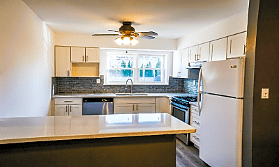 Kitchen, 32A Woodedge Ave, 1