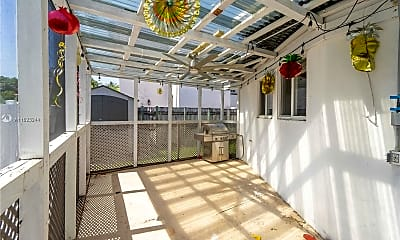 Patio / Deck, 540 W 31st St, 2
