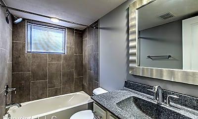 Bathroom, 128 N 40th St, 2
