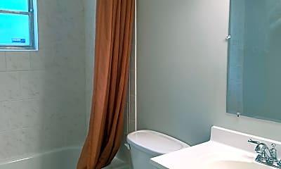 Bathroom, 2147 Franklin St, 1