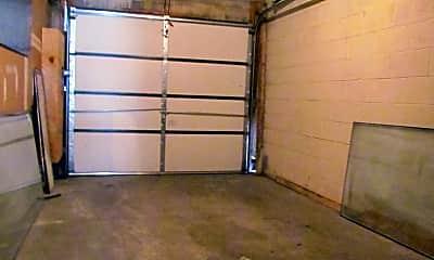 Living Room, 874 Pennock St, 2