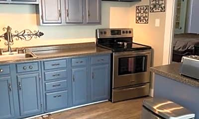 Kitchen, 8 Maple St, 2