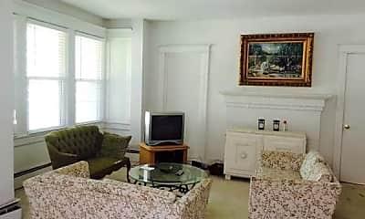 Living Room, 3706 Massachusetts Ave NW, 0